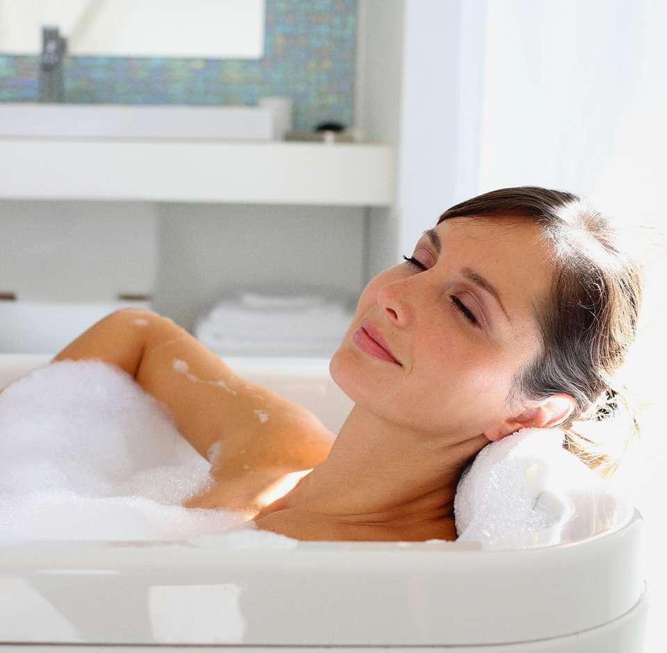 Une femme dans son bain