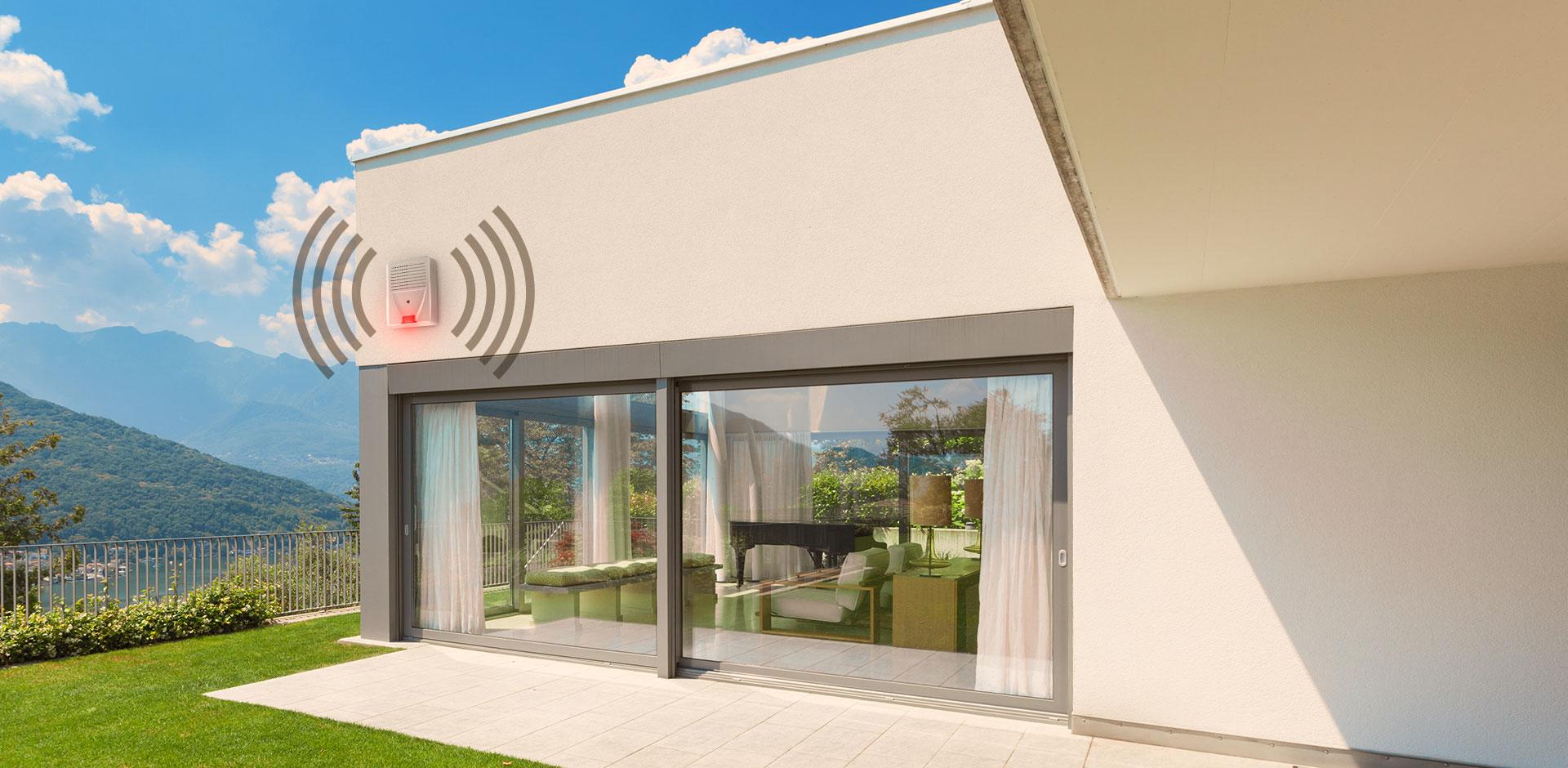 Maison d'architecte avec sirène d'extérieur Essensys déclanchée